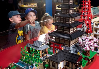 brickman-lego-cities-scienceworks.jpg