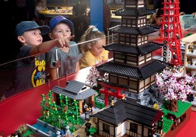 brickman-lego-cities-scienceworks.jpg